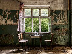 breakfast is served (Sabine.R) Tags: forgotten urbexplaces lostplace