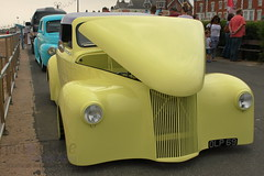 Unzip a Banana (innpictime ζ♠♠ρﭐḉ†ﭐᶬ₹ Ȝ͏۞°ʖ) Tags: suffolk felixstowe prom promenade seaside car sea yellow lemon rally motor bonnet automobile hotrod customised modified searoad olp69 hood 519569051344193 banana