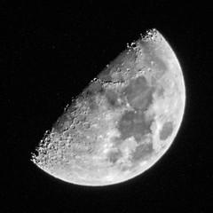 Der Mond von Wanne Eickel (Rainer ❏) Tags: mond moon crescent halbmond zunehmendermond increasingmoon bw sw bn tele rainer❏