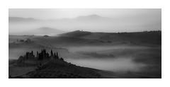 A Dreamy Morning (W.Utsch) Tags: fog tuscany toscana italia landscape mist bnw