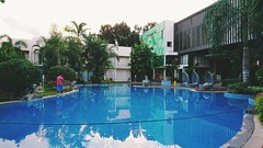 Aziza飯店泳池 Swimming pool (thps9249@yahoo.com.tw) Tags: aziza swimmingpool palawan travel 巴拉望 菲律賓
