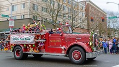 Olympia Washington, Downtown Christmas Parade (rebeccabphotos.com) Tags: christmas holiday parade olympia washington downtown festive decorations tumwater firetruck tree stree road car vehicle building lights people bystanders capitol way wreath toys candycanes happy