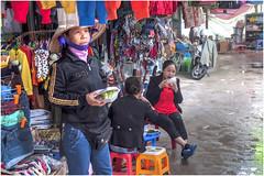 351- LA VIDA EN EL MERCADO DE HALONG - VIETNAM - (--MARCO POLO--) Tags: mercados rincones curiosidades hdr exotismo ciudades