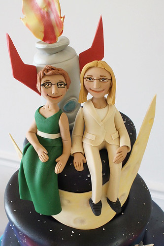 Rocket Moon Brides Figurines Cake