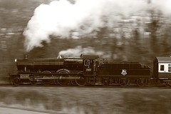 Foxy Lady (*Firefox) Tags: bw blackandwhite monochrome sepia westsomersetrailwaygwr greatwesternrailway 7800class manorclass manor collett 460 7822 foxcotemanor canonef100400mmf4556lisusm canoneos5dmarkii panned pan