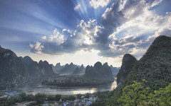 li river bend (Gregory Michiels Photography) Tags: guilin photography li river bend guangxi china karst mountain sun rays guide travel adventure discover
