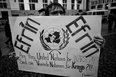. (Thorsten Strasas) Tags: afrin berlin brandenburggate brandenburgertor demonstration fahne flaggeefrin kundgebung kurden kurdistan kurds mitte pkk pariserplatz rojava schwarzweiss syria syrien tuerkei turkey ypg attack demo flag peace protest rally war ypj germany de