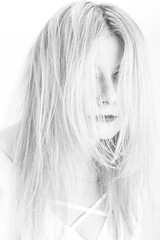 Long Hair Highkey Portrait (Traveller_40) Tags: bw blackwhite blackandwhite blond bluse ccbyncnd cc77 face female headshot highkey monochrome nb noirblanc noiretblanc portrait sigmaart sigmaart85mm studio studioportrait biancoenero blancoynegro blouse lipps monocromático pretoebranco redlipps white whitebackground übungsgruppe 单色 白黒