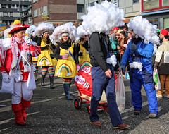 Eschweiler, Carnival 2018, 079 (Andy von der Wurm) Tags: karneval kostüm costume carnival mardigrass eschweiler 2018 kostüme kostueme nrw nordrheinwestfalen northrhinewestfalia germany deutschland allemagne alemania europa europe female male girl teenager smiling smile lachen lächeln lustforlife groove portrait lebensfreude verkleidung verkleidet dressed bunt colorful colourful karnevalsumzug karnevalszug carnivalparade andyvonderwurm andreasfucke hobbyphotograph funkenmarie funkenmariechen
