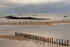 293 - 365 (hlegallais) Tags: saint malo plage beach france bretagne brittany people
