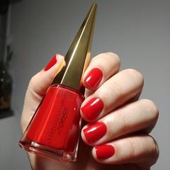 To Have or Have Not - MAC Coleção Charlotte Olympia (Giselly Souza) Tags: nailred red nail unha vermelha mac esmaltevermelho