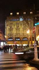 167-Paris décembre 2017 - Gibert Jeune Place Saint-Michel (paspog) Tags: paris france décembre december dezember 2017 nuit nacht night boulevardsaintmichel librairie gibertjeune placesaintmichel bookshop