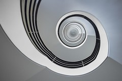 Delta-Lloyd Staircase (Berlin) (Janette Paltian) Tags: janettepaltian canon 650d 1018 weitwinkel wideangle berlin germany deutschland treppe wendeltreppe stairs staircase deltalloyd architektur architecture spiral stairway spiralstairs blue city geometric round white