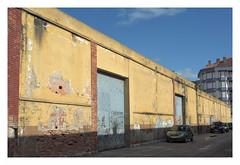 Fábrica antigua III-1 (juan jose aparicio) Tags: fabrica factory car ancient building edificio contrast street callejero buildscape