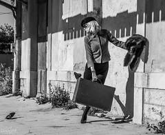 _MG_9443 (aochlesia13) Tags: urbex monochrome gare train vintage années50 valise contraste provence voyageuse retro prettygirl distraite stilettoheels tights glamour station compo
