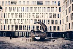 Posing for a photograph (*Capture the Moment*) Tags: 2017 architecture architektur fotowalk munich münchen reflection reflections reflexion sonya6300 sonyilce6300 zeisstouit2812 zeisstouitdistagon2812