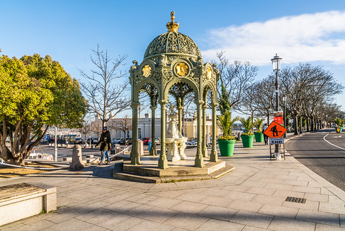 VICTORIA MEMORIAL FOUNTAIN IN DUN LAOGHAIRE [THIS IS INTERESTING AND WELL LOCATED]-136391