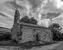 Ermita de San Miguel Valdeolea.