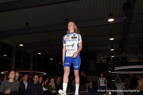 Van Moer (208)