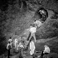 With a little help from my friends (Frank Busch) Tags: frankbusch frankbuschphotography bw blackandwhite christmas ethiopia laibela monochrome orthodoxchristmas pilgrims rockhewnchurches travel wwwfrankbuschname