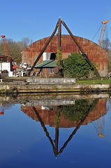 lifting mo more (midcheshireman) Tags: boatyard river weaver northwich cheshire