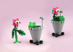 FebRovery 2018 14 (TFDesigns!) Tags: lego rover febrovery space alien horticutian silly valentine frost