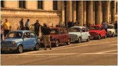 Fiat 500 Parade (Heinze Detlef) Tags: auto oldtimer fiat fiat500 kleinwagen kraftfahrzeug pkw oldtimertreffen ausstellung
