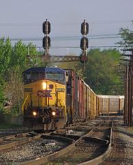 88 Crossovers (GLC 392) Tags: csx fostoria f town 88 cross overs crossover crossovers co signals ge c409w c408w 9042 7766 oh ohio auto rack train csxt railroad railway