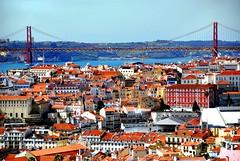 Graça - Lisbona - Portogallo (lucy PA) Tags: graça lisbona portogallo città tetti ponti fiume city roofs river bridge lisbon portugal