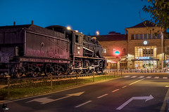 La gran olvidada (anyelo_vper) Tags: sony a6500 selp1650 bluehour night noche horaazul city ciudad galicia españa spain long exposure largaexposición bracketing sunset a6300 a6000 tren train