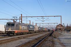 "241 005 ""Hectorrail/Solo"" mit KLV - 23.02.2018 - Padborg (DK) (Frederik L.) Tags: db bahn cargo hector rail zug eisenbahn güterzug privatbahn traxx baureihe 185 lok lokomotive dänemark padborg border grenze bahnhof"