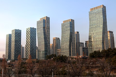 Songdo (mbphillips) Tags: korea 한국 韓國 韩国 southkorea 대한민국 republicofkorea 大韓民國 incheon 인천 仁川 songdo songdointernationalbusinessdistrict songdoibd 송도 松都 asia 亞洲 fareast アジア 아시아 亚洲 city ciudad 도시 都市 城市 cityscape paisajeurbano 城市景观 城市景觀 풍경 architecture 건축학 arquitectura 建筑学 建築學 future 将来 futuro 將來 미래 mbphillips goetagged photojournalism photojournalist canon80d river 강 河 río sigma1835mmf18dchsm centralpark modern smartcity ubiquitouscity