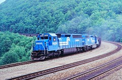 CR 6656 at Altoona, PA (dl109) Tags: conrail sd452