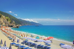 Memories (gusdiaz) Tags: italy vacation summer cinque terre monterosso playa mar oceano beautiful emerald esmeralada bote barco italia