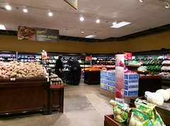 Produce, a little over three weeks later (l_dawg2000) Tags: 2018remodel cordova delicatesen grocery grocerystore healthbeauty kroger labelscar marketplace meats memphis pharmacy produce remodel retail scriptdécor shelbycounty supermarket tennessee tn trinitycommons cordovamemphis unitedstates usa