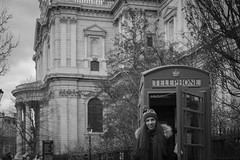 Portraits in London (Passi1903) Tags: london fuji portrait xt20 35mm f14 arcos classicchrome simulation telephone fun girlfriend love liebe colour blackandwhite white cathedral niftyfifty underground st pauls hollister girl woman women bridge train rose black
