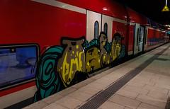 dvsfdfsa (1 von 5) (Under Color) Tags: hamburg hbf hauptbahnhof db bahn zug train regio doppler doppelstocker bahnsteig graffiti vandal art kunst graff