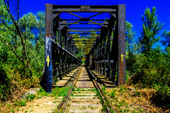Sigue la Flecha (43/365) (Walimai.photo) Tags: caminodesantiago víadelaplata puente bridge lumix lx5 panasonic tren train flecha arrow amarilla yellow sky cielo esla