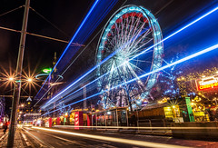 Spinning Light & Straight Lines (ThePunkyScotsman) Tags: edinburgh light christmas wheel streak street night christmasmarket longexposure lighttrails ferriswheel