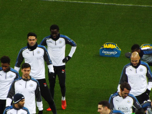 Leicester players warm up