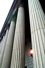 United States Courthouse • Lower Manattan (daystar297) Tags: nyc newyork courthouse supremecourthouse architecture columns building court lowermanhattan nikon light lamp fowleysquare justice