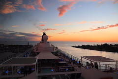 Cruise Ship Sunset (chantsign) Tags: horizon sunset clouds cruiseship water ocean sky hawaii