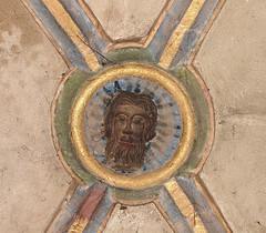 Les nefs latérales montrent de belles voûtes, gothiques dont les clefs de voûte sont ornées d'écussons. (Maison de l'Alchimiste) Tags: kaysesberg gothique