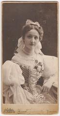 """Apuka unokatestvére 1905-ben"" (fotobarat966) Tags: hölgy lady portré portrait promenade 1905 kossak józsef temesvár magyar hungarian hungary"