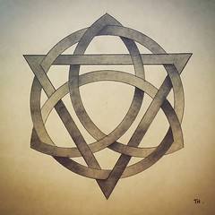 Woven Trivium Design (tiago_hands) Tags: woventrivium trivium woven geometry geometryart mathart geometrydesign geometrydrawing mathematics mathematicsart trviumdesign triviumdrawing thetrivium
