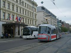 Brno tram No. 1906 (johnzebedee) Tags: transport tram publictransport vehicle skoda brno czechrepublic johnzebedee skoda13t
