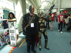Deathstroke with a Mandalorian warrior (Sconderson Cosplay) Tags: comic con san diego sdcc 2016 cosplay deathstroke mandalorian
