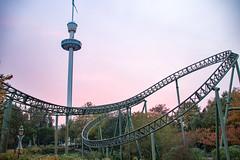 """Hansa Park - """"Fluch von Novgorod"""" und Holsteinturm (www.nbfotos.de) Tags: hansapark fluchvonnovgorod achterbahn rollercoaster holsteinturm aussichtsturm freizeitpark vergnügungspark themepark sierksdorf"""