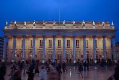 Bordeaux, façade du grand théâtre (lignesbois) Tags: france nouvelleaquitaine gironde bordeaux grandthéâtre urbex street pentax k2000 smcpentaxdal1855f3556