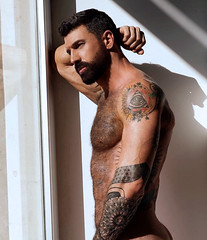 1335 (rrttrrtt555) Tags: hair hairy muscles beard chest torso arms armpit shoulders butt tattoo flex lean window reflection masculine attitude veins leaning squint ripped stare